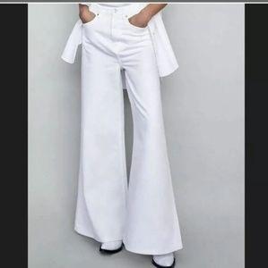 Zara the vintage flair jeans size 2US OFF white